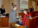 Pavel Šotola gratuluje Lukášovi Culkovi.JPG
